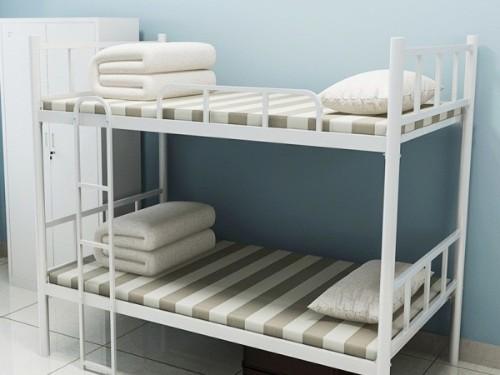 直播带货定制宿舍双层铁架床需要注意哪些?南宁双层铁架床哪家工厂好