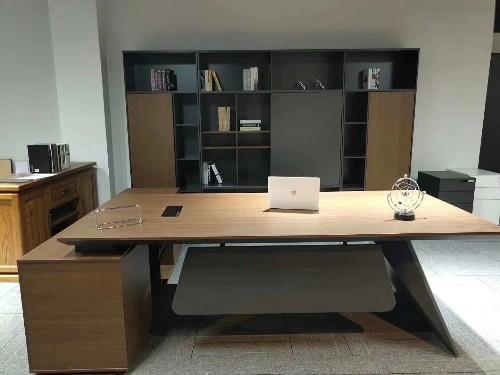 """""""世纪联合""""干货分享:办公桌该如何摆放"""