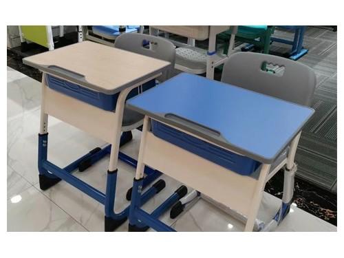 课桌椅如何调节才能预防学生近视呢?