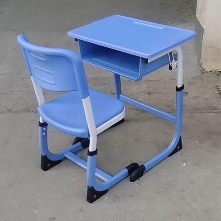 新款课桌椅-001
