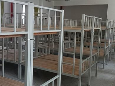 南宁某某小学学生宿舍铁架床采购案例