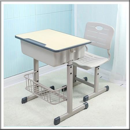 单柱塑钢课桌椅