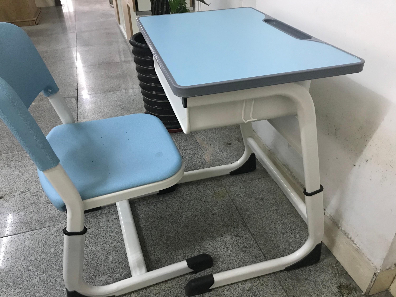 """""""南宁世纪联合""""干货分享:升降课桌椅的材质及优点"""