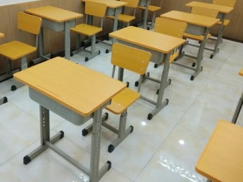 选购中小学生课桌椅是需要考虑哪些问题?课桌椅到广西哪家厂家质量好