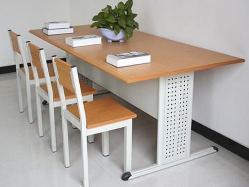 选择学校阅览桌椅需要注意哪些问题?