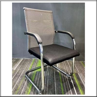 弓形椅242