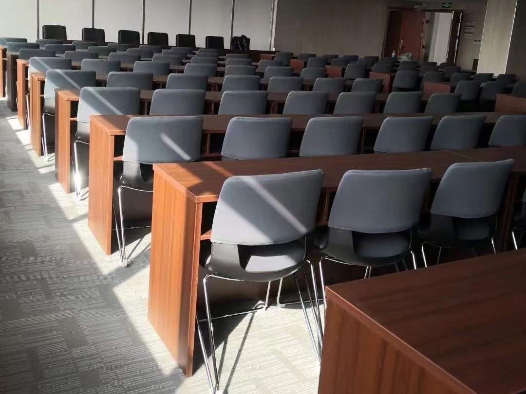 南宁市邕宁区朝阳中学学校培训室桌椅采购