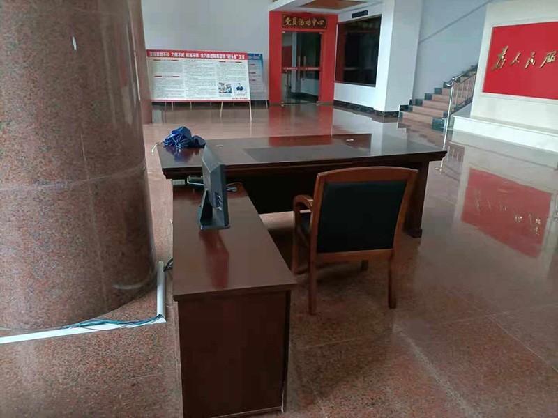 陆川县人民检察院大班台采购案例