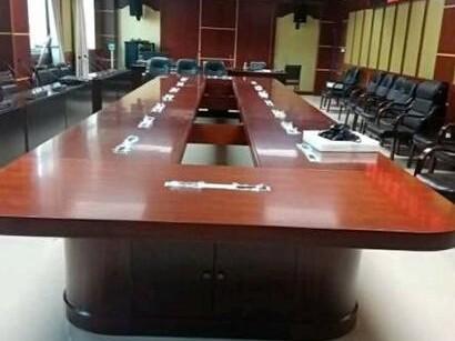 广西机电职业技术学院办公家具的采购案例
