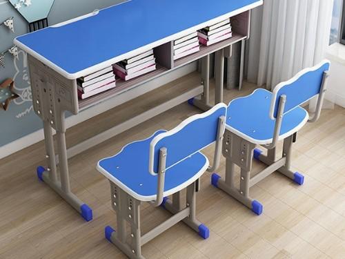 双人课桌椅的选购小妙招?_南宁世纪联合办公家具厂双人课桌椅如何