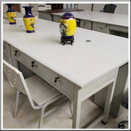 阅览桌24