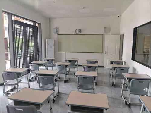 学生课桌椅批量采购时需要考虑哪些?_学生课桌椅的生产工厂怎么样?