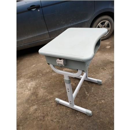 课桌椅025