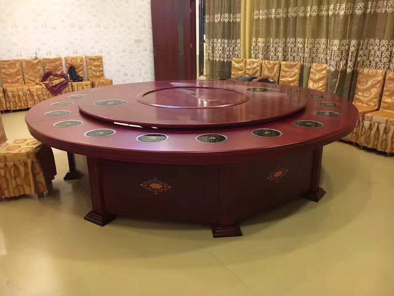酒店餐桌04