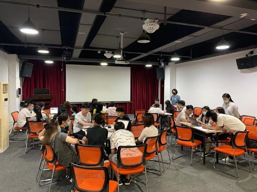 南宁世纪联合办公家具国际站运营部开启阿里巴巴学习之旅!