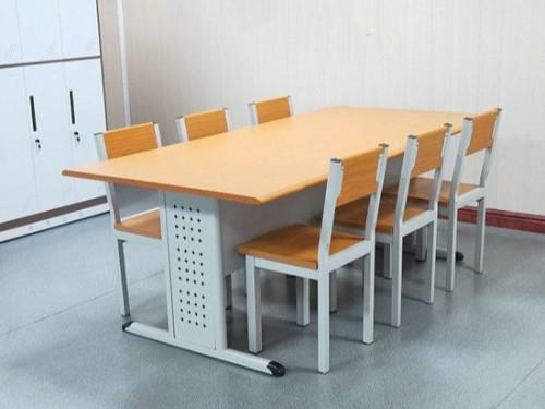 阅览桌椅选择厂家直销的原因?_南宁阅览桌椅的价格多少?