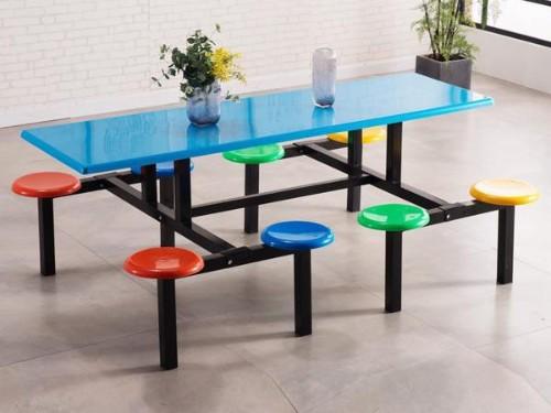不锈钢餐桌椅为何如此受到大众喜爱