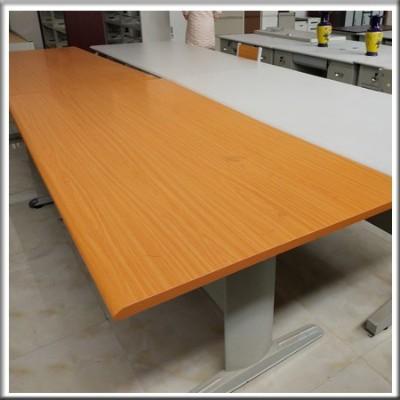 阅览桌214