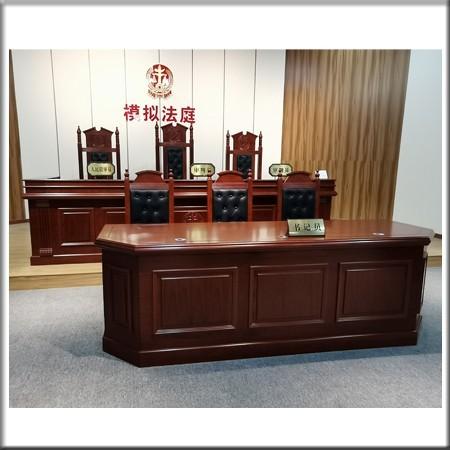 法官台104